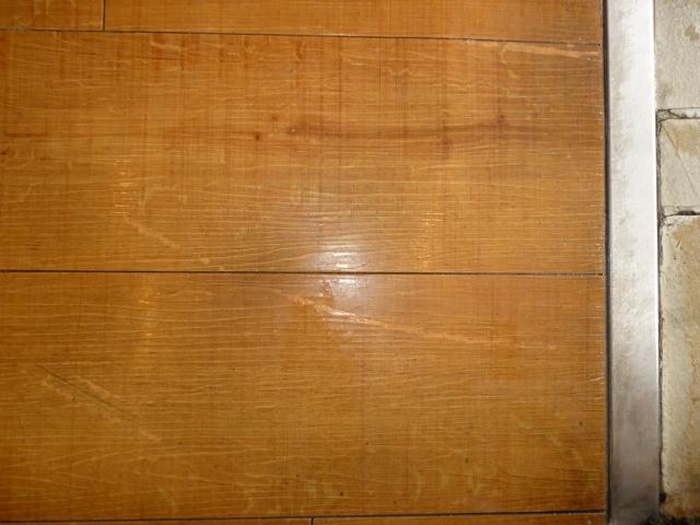 奈良市の飲食店で床ワックス剥離とワックス掛け