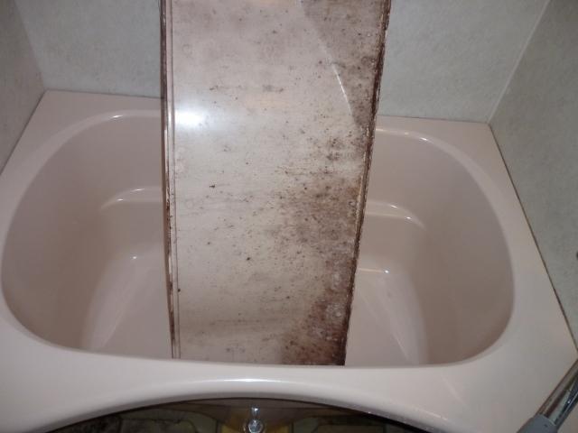八尾市でお風呂(浴室)のハウスクリーニング
