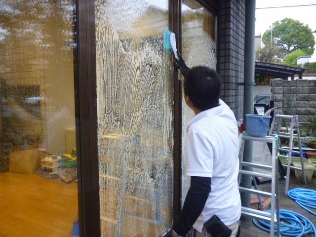 香芝市で窓ガラス掃除