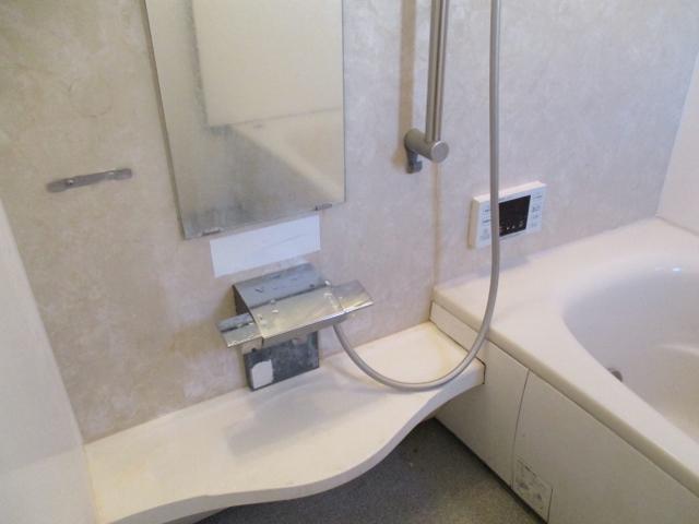 柏原市でお風呂(浴室)ハウスクリーニング