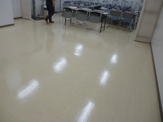 会社事務所・オフィスの床掃除