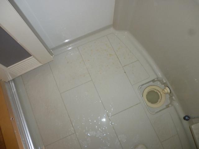 箕面市でお風呂(浴室)ハウスクリーニング