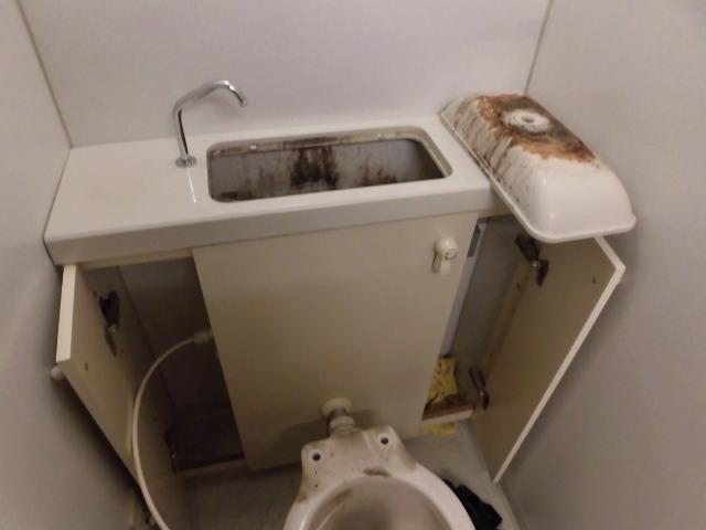 トイレタンクレス|隠蔽タンク掃除