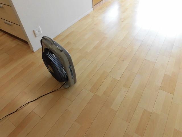 大阪で床ワックス剥離