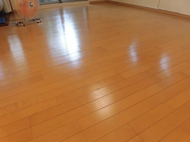 大阪市のフロアワックス