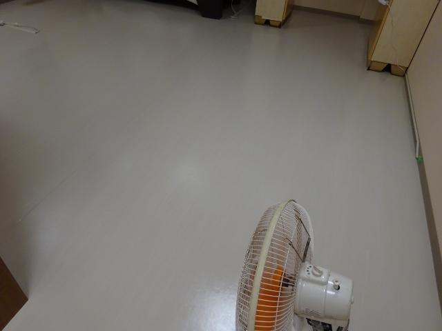 京都で店舗床のワックス